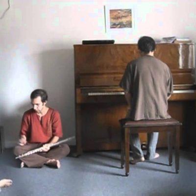 Oyfn Pripetchik – Rodrigo Villar