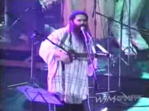 Yehuda Glantz on charango playing Adon Olam