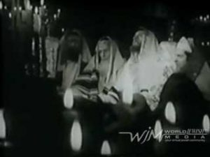 "Moishe Oysher sings ""Kol Nidre"" - 1939 Yiddish film"