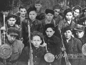 Juden Haben Waffen (Zog Nit keynmol version)