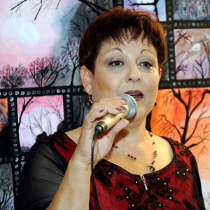 Sarah Raz