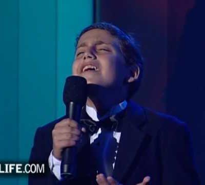 Oifen Pripitchik: M Generation Choir