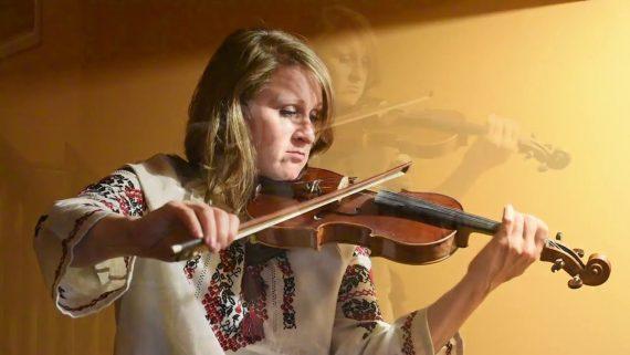 Oyfn Pripetchik – Efrat Music