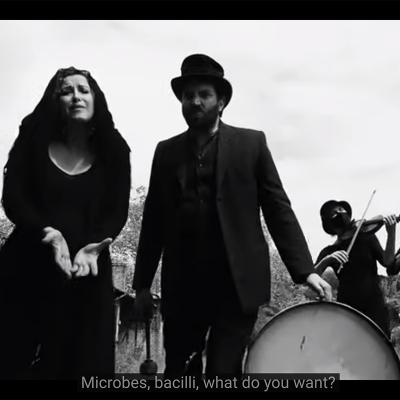 Mentshn-Fresser, feat. Sveta Kundish & Daniel Kahn. This 100-Year-Old Yiddish Pandemic Song Could Have Been Written Today