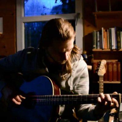 Emlyn Hinton – Di Golden Pave (The Golden Peacock) guitar arrangement
