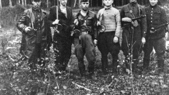 """""""Zog Nit Keynmol"""" – Partisans of Vilna"""