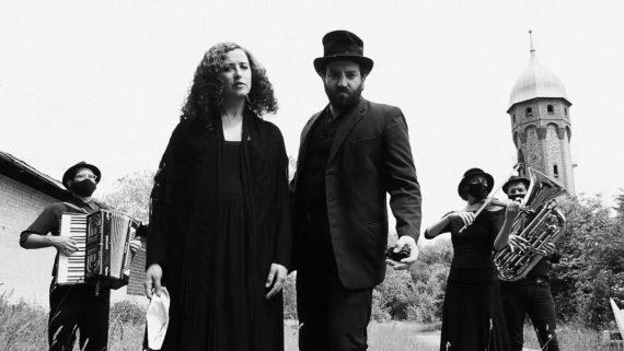 """""""Mentshn-Fresser"""" (1916 Yiddish Pandemic Ballad) feat. Sveta Kundish & Daniel Kahn"""