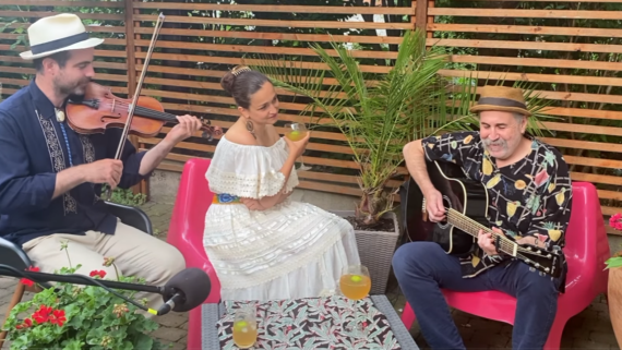 """WATCH: Jimmy Buffett in Yiddish (""""Come to me"""")"""